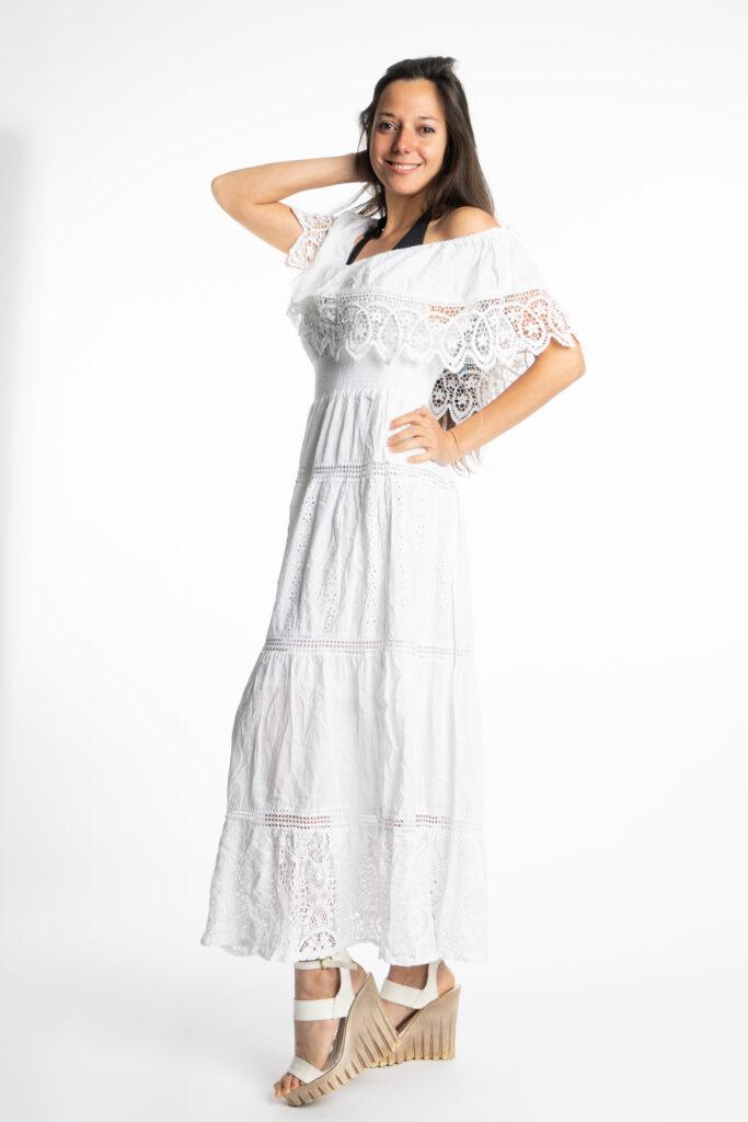 Дълга бяла рокля с волан на деколтето Siya 10285 - 1