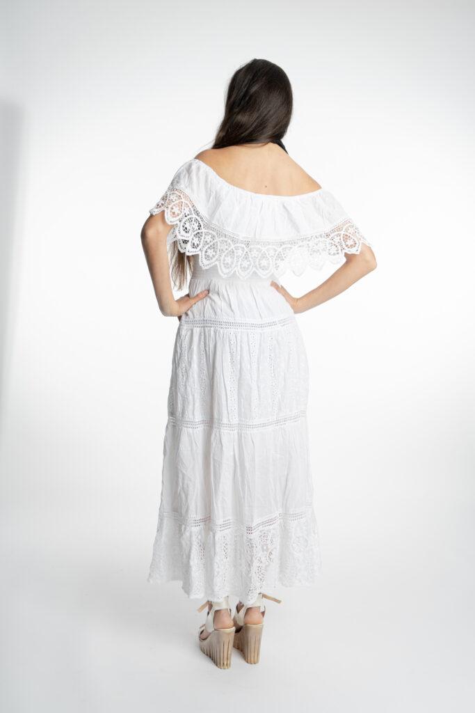 Дълга бяла рокля с волан на деколтето Siya 10285 - 2