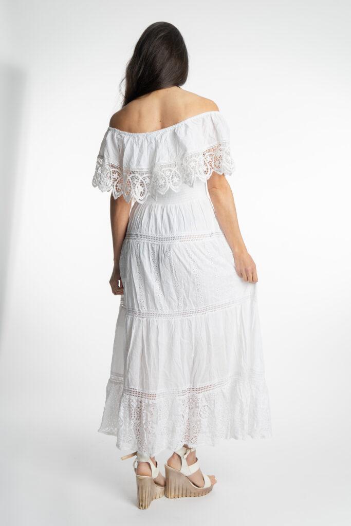 Дълга бяла рокля с волан на деколтето Siya 10285 - 3