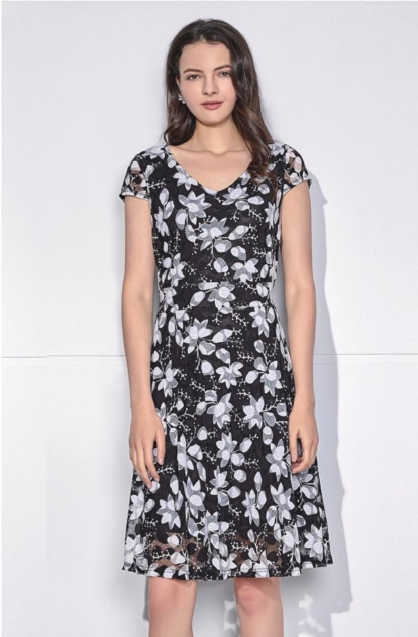 Лятна ефирна рокля Sweet Miss M112725