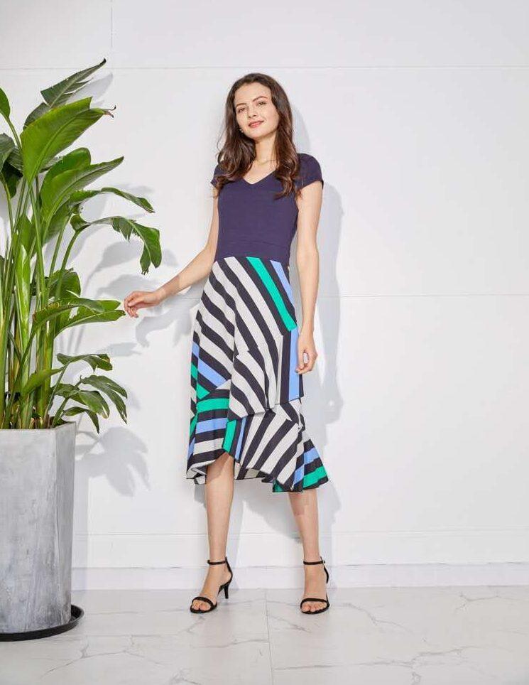 Елегантна рокля с асиметрична кройка М112570